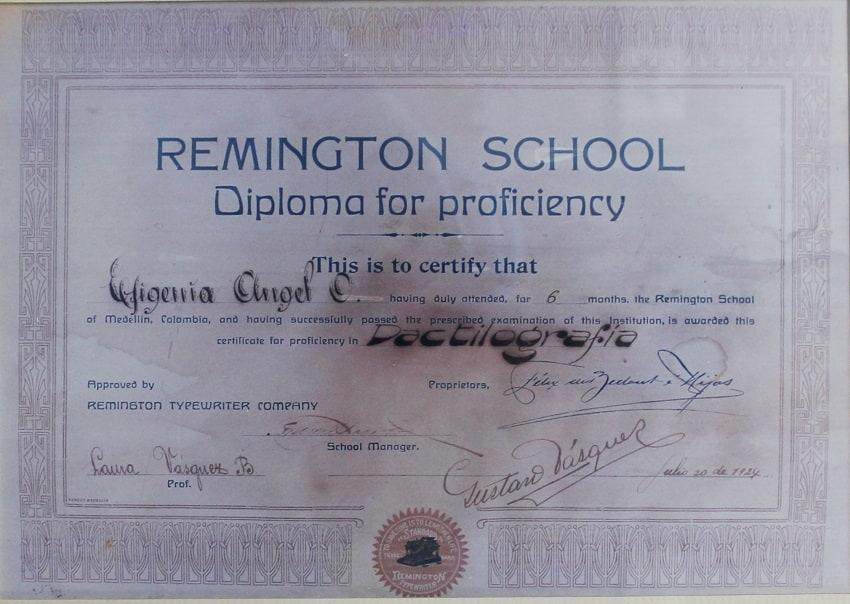 Los diplomas de Dactilografía (Mecanografía) son refrendados en New York por la Remington School.